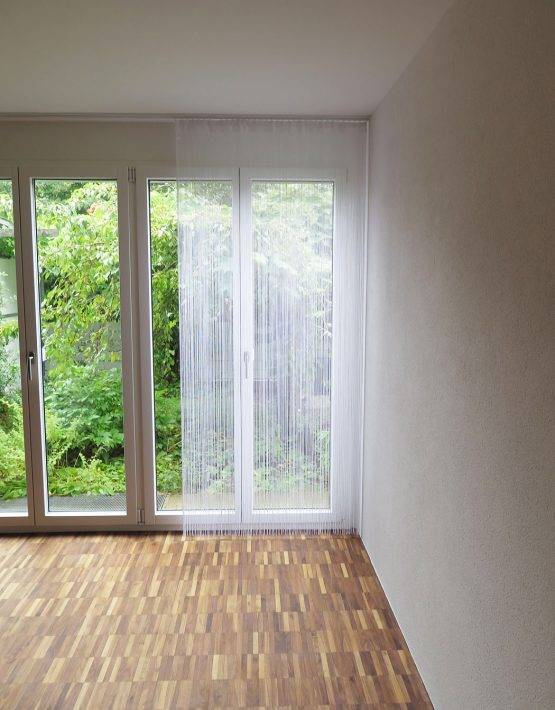 fadenvorhang orienta weiss t r fliegenvorhang. Black Bedroom Furniture Sets. Home Design Ideas