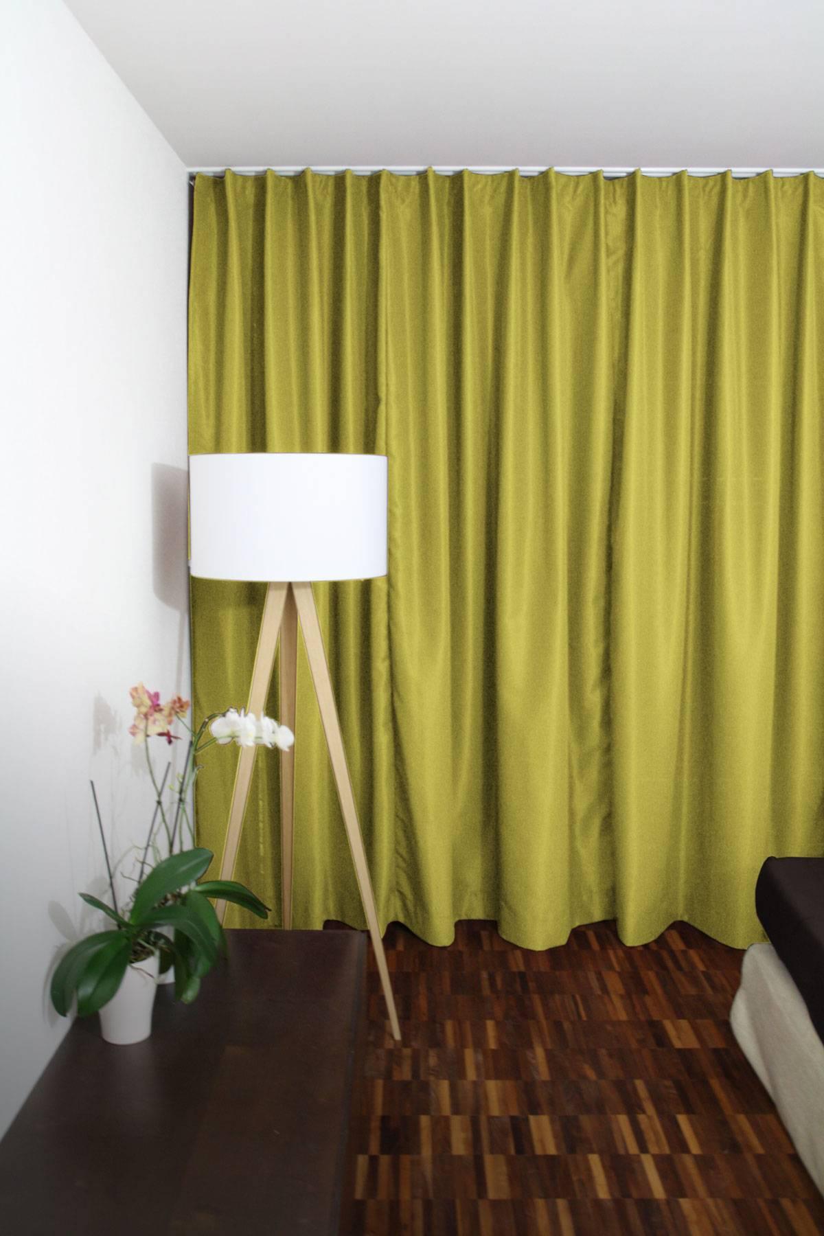 vorhang gelb vorhang aus bedruckt ecrugelb blumen with vorhang gelb finest vorhang vivien gelb. Black Bedroom Furniture Sets. Home Design Ideas