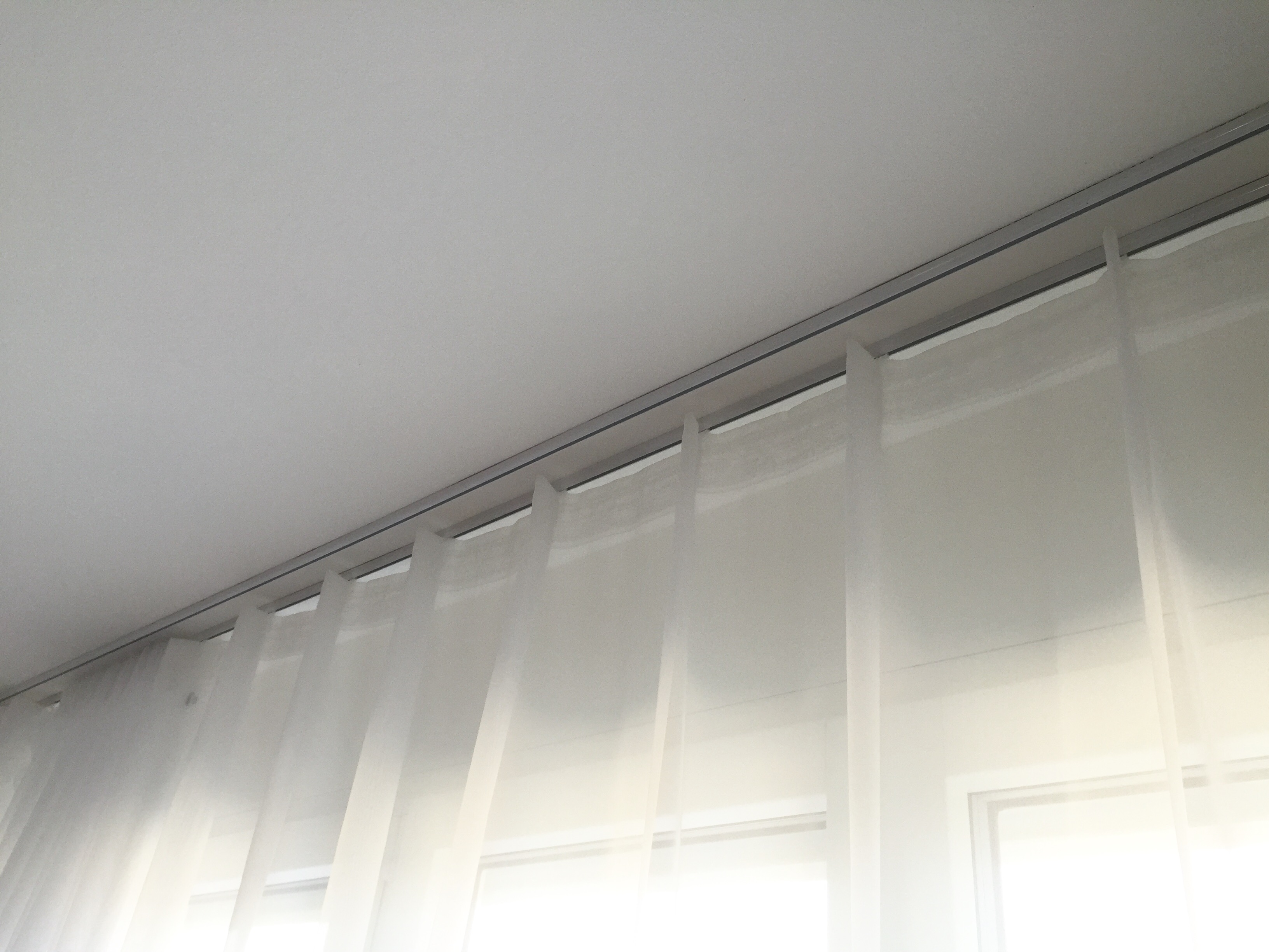 falten modern vorhang mit modernen falten. Black Bedroom Furniture Sets. Home Design Ideas