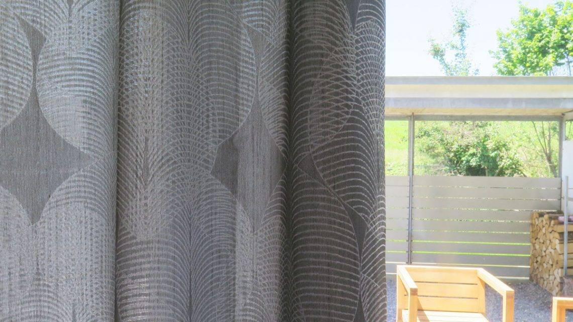 transparenz dekovorhang kiruna grau mit muster. Black Bedroom Furniture Sets. Home Design Ideas