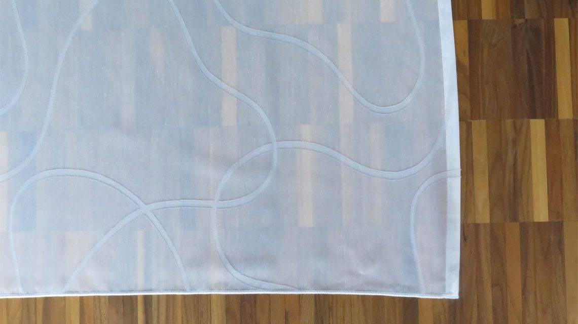wirkung wei e gardine sidney mit parkettboden. Black Bedroom Furniture Sets. Home Design Ideas